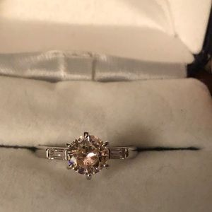 Silver ring w/pink stone